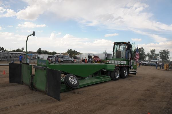 Full Pull The thrill behind sled pulling | Diesel Tech Magazine