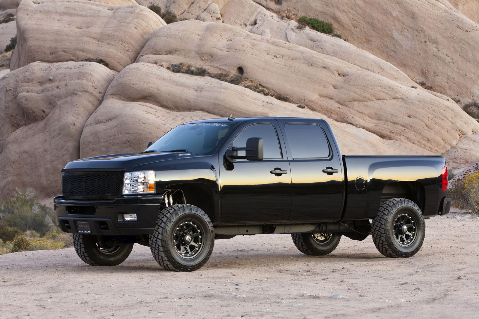 Lift Your Expectations Find The Ideal Suspension Manufacturer For 2011 Chevy Silverado Lifted Trucks Truck Diesel Tech Magazine