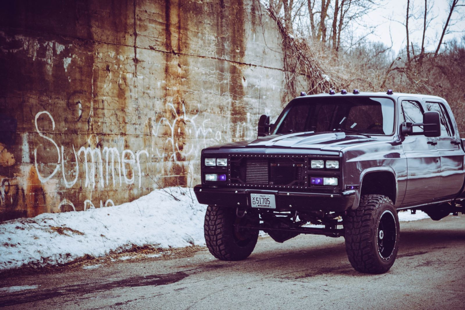 Lifted square body chevy crew cab | CLASSIC Style with MODERN Grunt